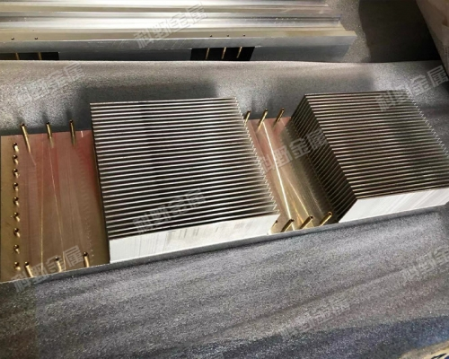 铲齿散热器